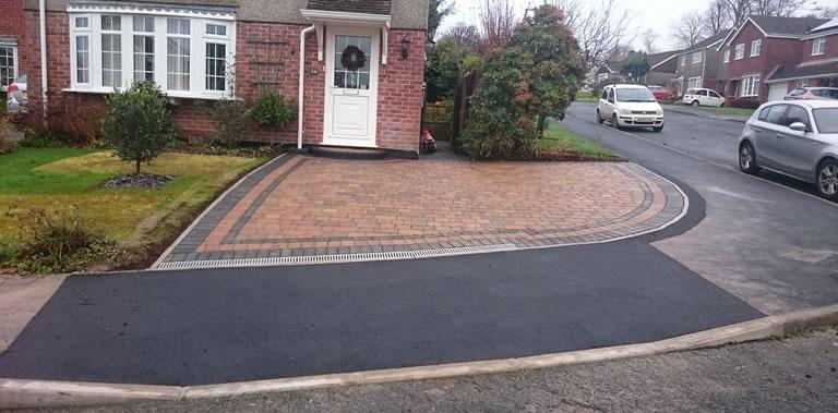 Driveway & Dropkerb using Marshall's Block with ACO Drains